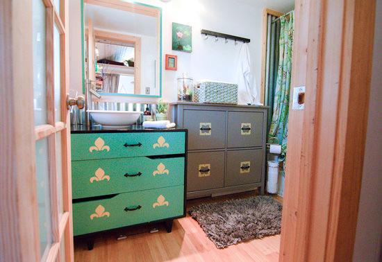 cedar-park-tiny-house-bathroom